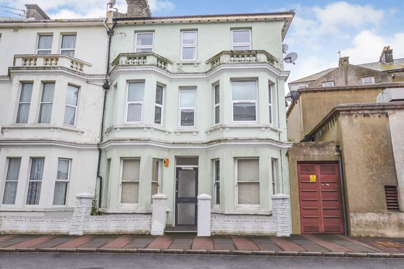 1 Bedroom Flat for sale in Marine Road, Eastbourne, BN22