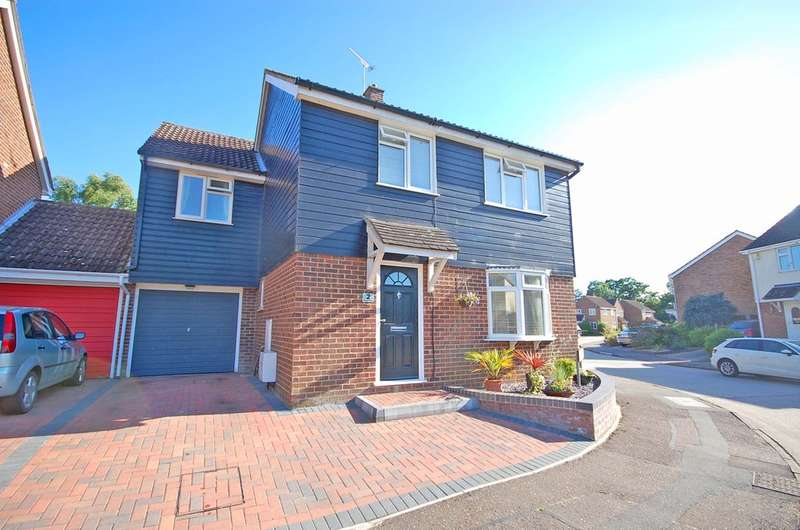 4 Bedrooms Link Detached House for sale in Rydal Way, Braintree, CM77