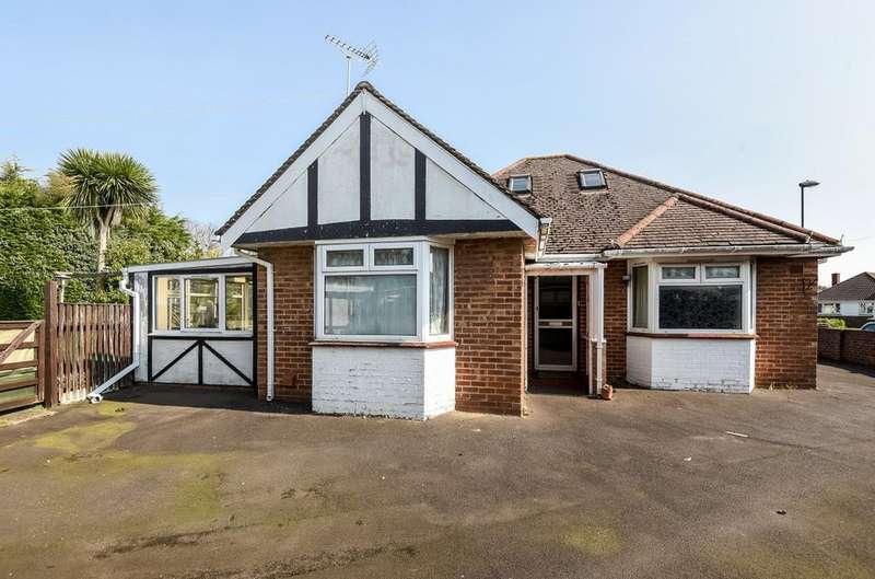 4 Bedrooms Detached House for sale in Highcroft Avenue, Glenwood, Bognor Regis, PO22
