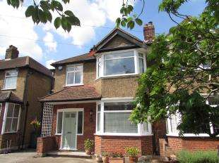 3 Bedrooms Semi Detached House for sale in Bristow Road, Beddington
