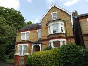 1 Bedroom Flat for sale in Birdhurst Road, South Croydon