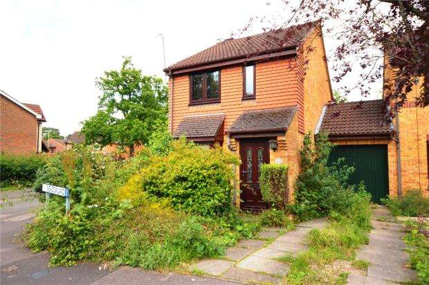 3 Bedrooms Semi Detached House for sale in Meadowland, Chineham, Basingstoke