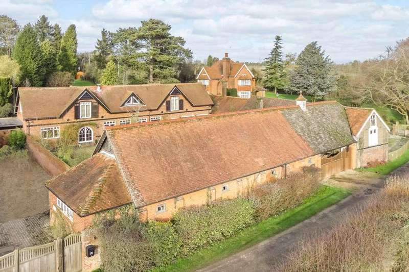 4 Bedrooms Barn Conversion Character Property for sale in West Leith, Tring