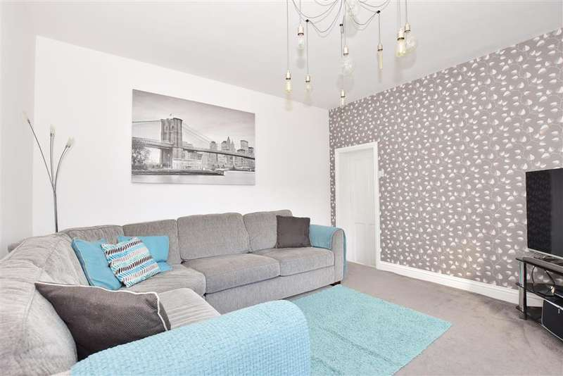 4 Bedrooms Detached House for sale in Seathorpe Avenue, Minster On Sea, Sheerness, Kent