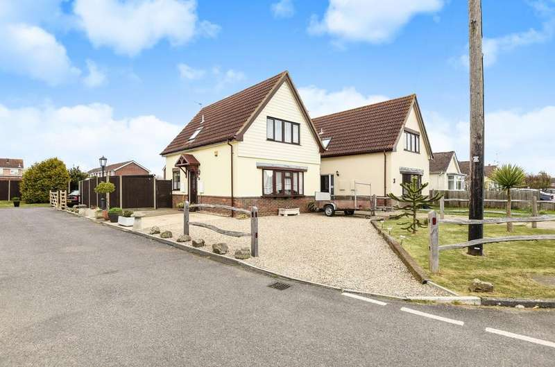 3 Bedrooms Detached House for sale in Gorse Avenue, Felpham, Bognor Regis, PO22