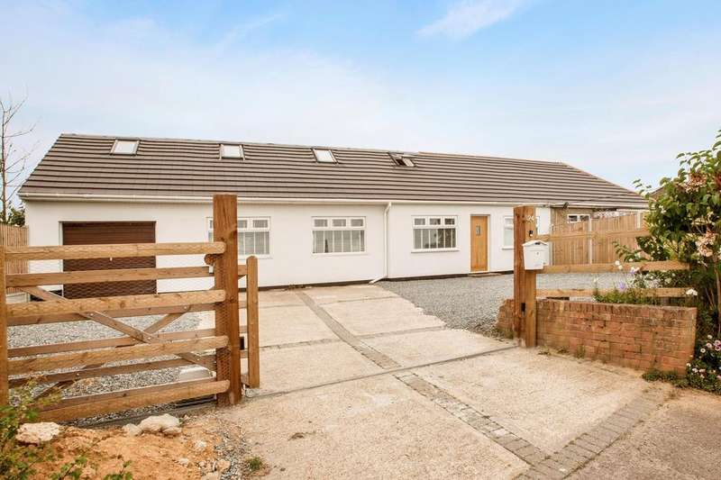 4 Bedrooms Chalet House for sale in Willow Grove, South Woodham Ferrers, Chelmsford, Essex, CM3