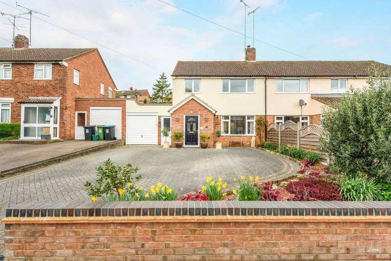 3 Bedrooms Semi Detached House for sale in Friars Walk, Tring