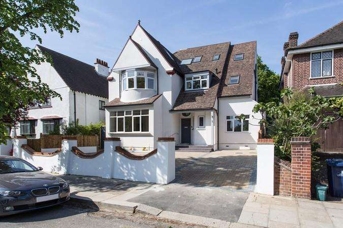 3 Bedrooms Flat for sale in 3 Mortimer Road, Ealing