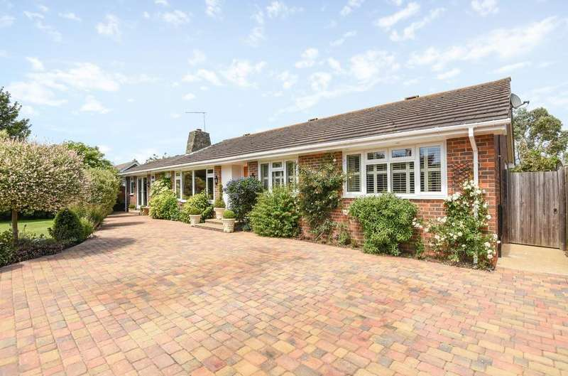 3 Bedrooms Detached Bungalow for sale in Nyetimber, Bognor Regis, PO21