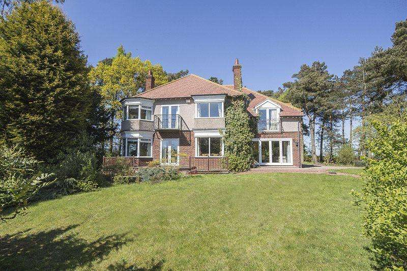4 Bedrooms Detached House for sale in Woodside, Great North Road, Stannington