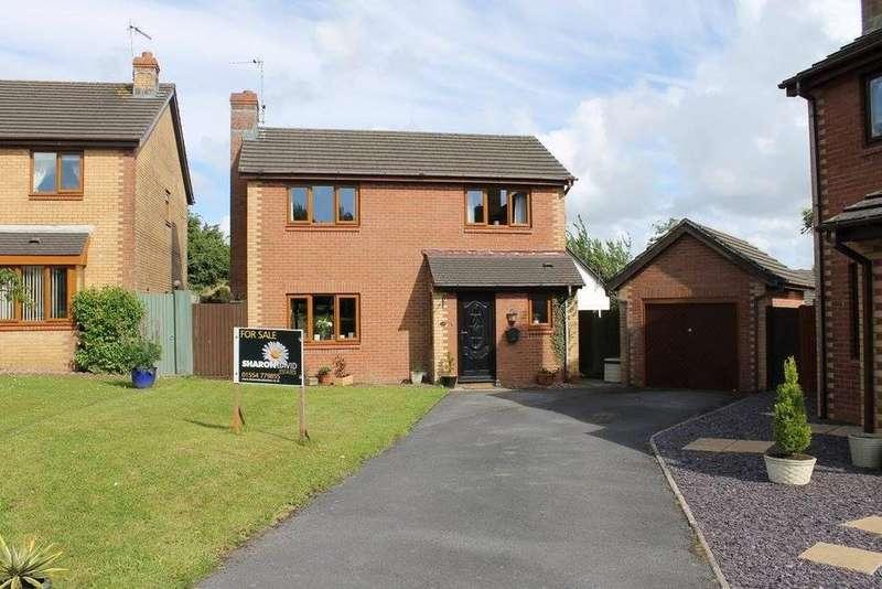 4 Bedrooms Detached House for sale in Llys Cilsaig, Dafen, Llanelli