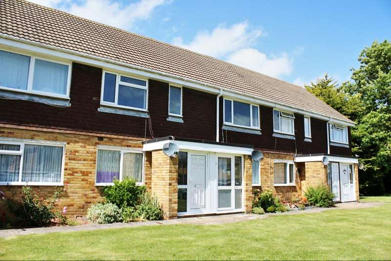 2 Bedrooms Maisonette Flat for sale in The Green, Hailsham BN27