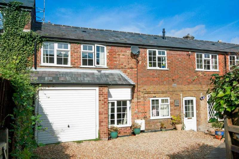 2 Bedrooms Terraced House for sale in Akeman Street, Tring