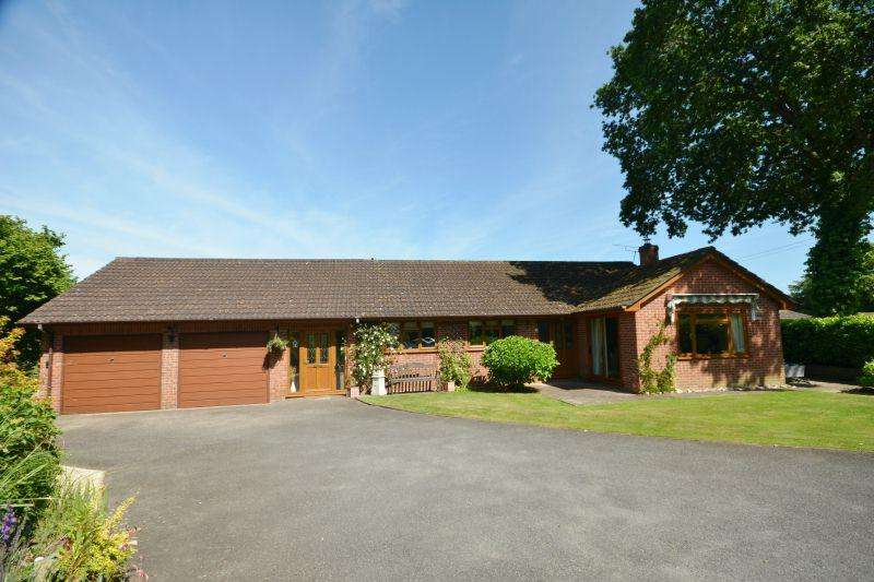 4 Bedrooms Detached Bungalow for sale in Newton Poppleford