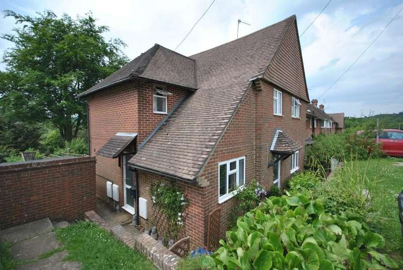 2 Bedrooms Flat for sale in Dale View, Haslemere, GU27