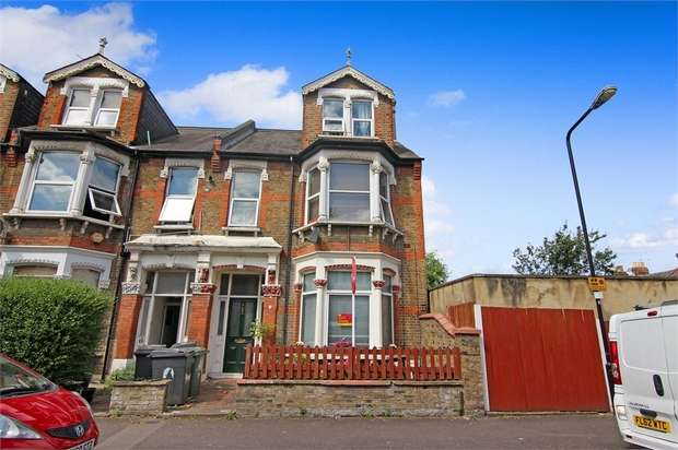 3 Bedrooms Flat for sale in Cleveland Park Avenue, Walthamstow, London