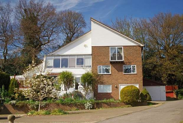 5 Bedrooms Detached House for sale in Hillside Road, Hastings, East Sussex