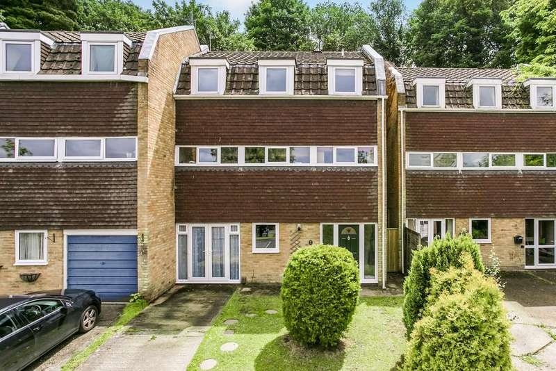 4 Bedrooms Semi Detached House for sale in Essex Close, Tunbridge Wells