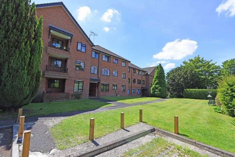 1 Bedroom Flat for sale in Clockhouse Road, Farnborough, GU14