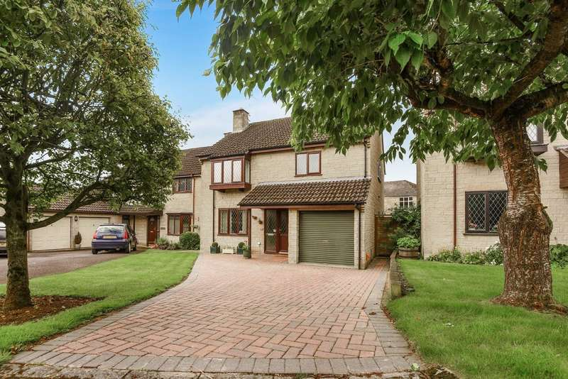 4 Bedrooms Detached House for sale in Tetbury