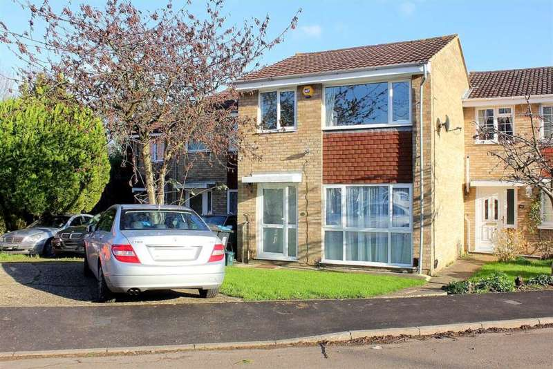 3 Bedrooms Terraced House for sale in 3 BED with GARAGE and NO UPPER CHAIN in Sandridge Close, Woodhall Farm