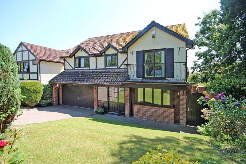 5 Bedrooms Detached House for sale in Hares Green, Castledean, Bournemouth
