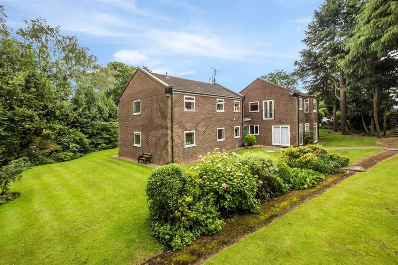2 Bedrooms Flat for sale in Roe Green Avenue, Worsley, Manchester, M28 2SA