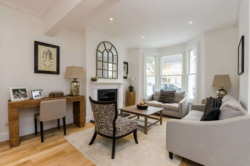4 Bedrooms Terraced House for sale in Sherbrooke Road, Munster Village, SW6