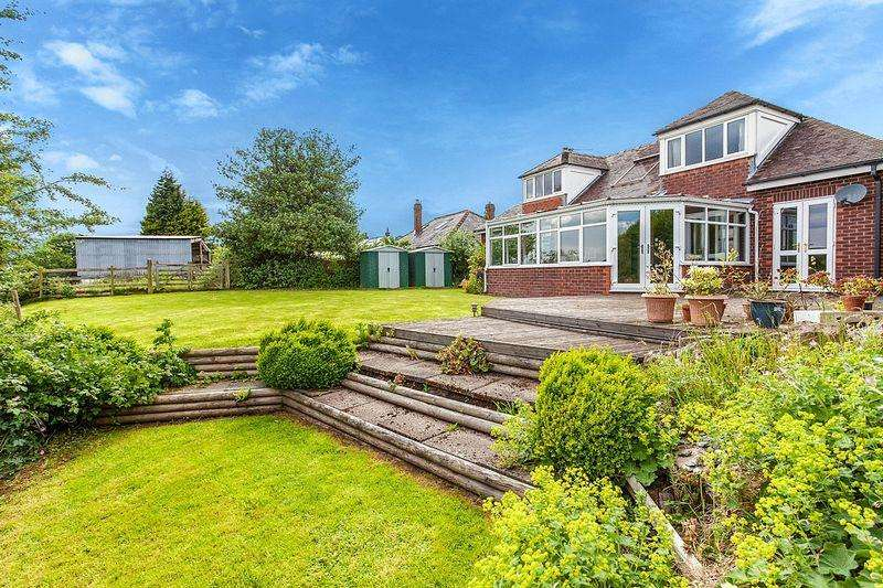 4 Bedrooms Detached Bungalow for sale in Waggs Road, Congleton