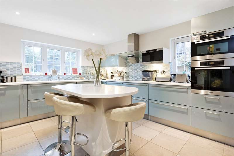 6 Bedrooms Detached House for sale in The Paddocks, Weybridge, Surrey, KT13