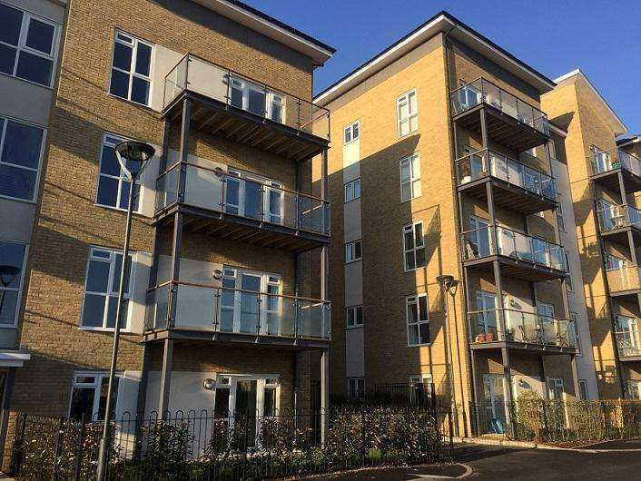 2 Bedrooms Flat for sale in The Pearwood, Drayton Garden Village, West Drayton