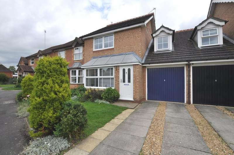 3 Bedrooms Semi Detached House for sale in Cater Gardens, Guildford