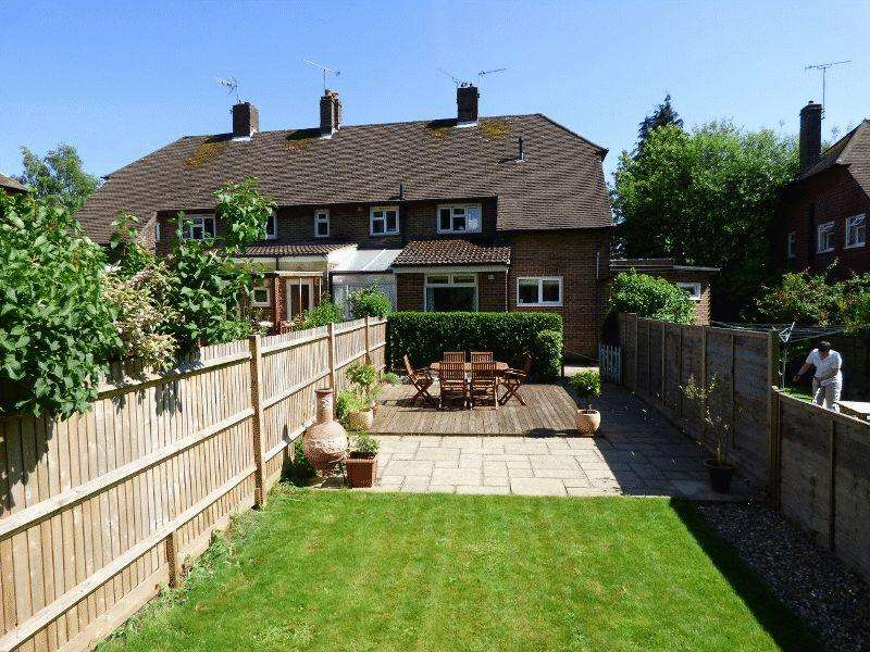 2 Bedrooms Apartment Flat for sale in Truggers, Handcross