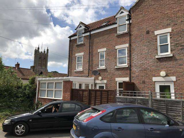 4 Bedrooms Town House for sale in Crockers Garden, Glastonbury BA6