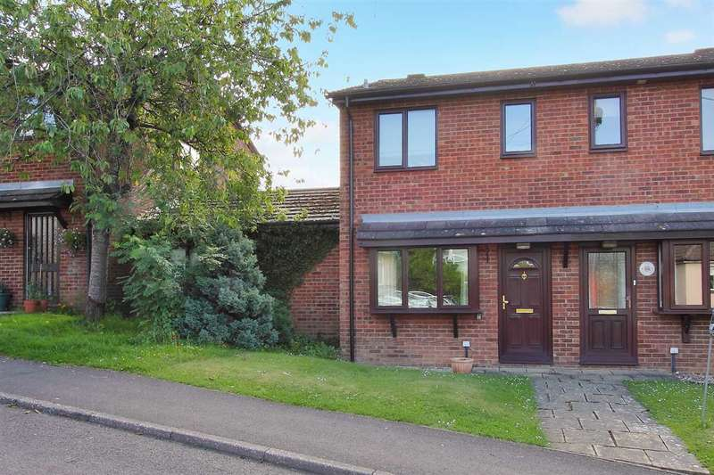 2 Bedrooms Terraced House for sale in Clements Gardens, Whitchurch