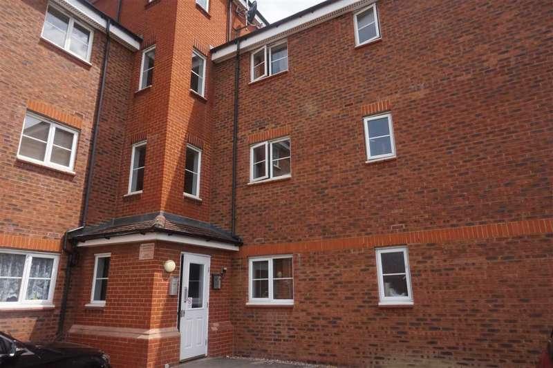 3 Bedrooms Flat for sale in Walker Grove, Barrington Way, Hatfield