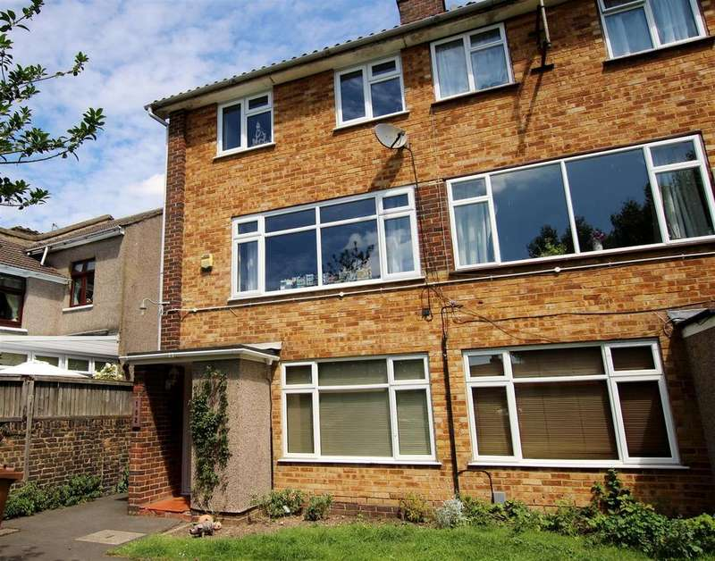 2 Bedrooms Maisonette Flat for sale in Old Road, Crayford