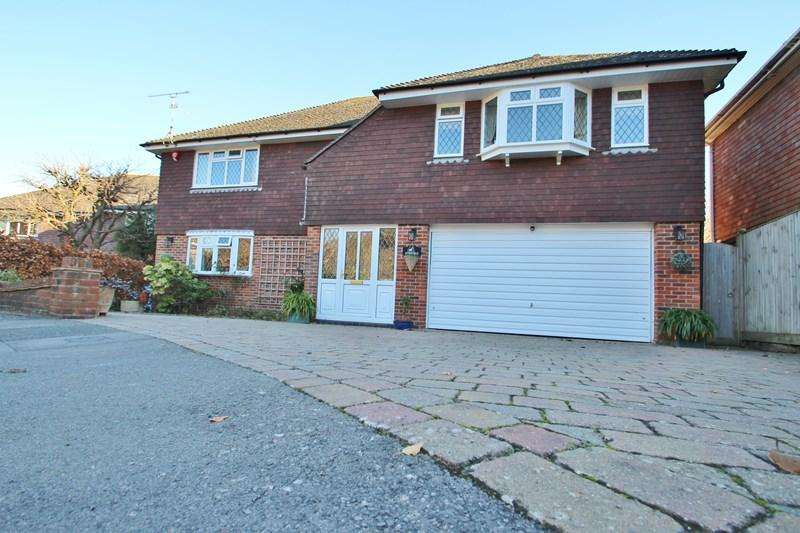 4 Bedrooms Detached House for sale in St. Georges Place, Hurstpierpoint, Hassocks
