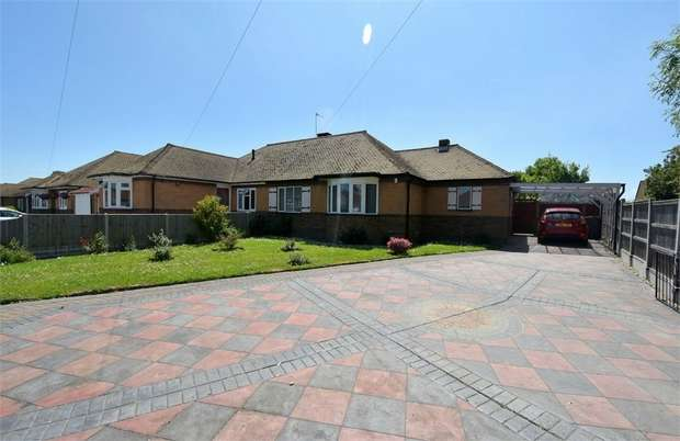 2 Bedrooms Semi Detached Bungalow for sale in Bromstone Road, Broadstairs, Kent
