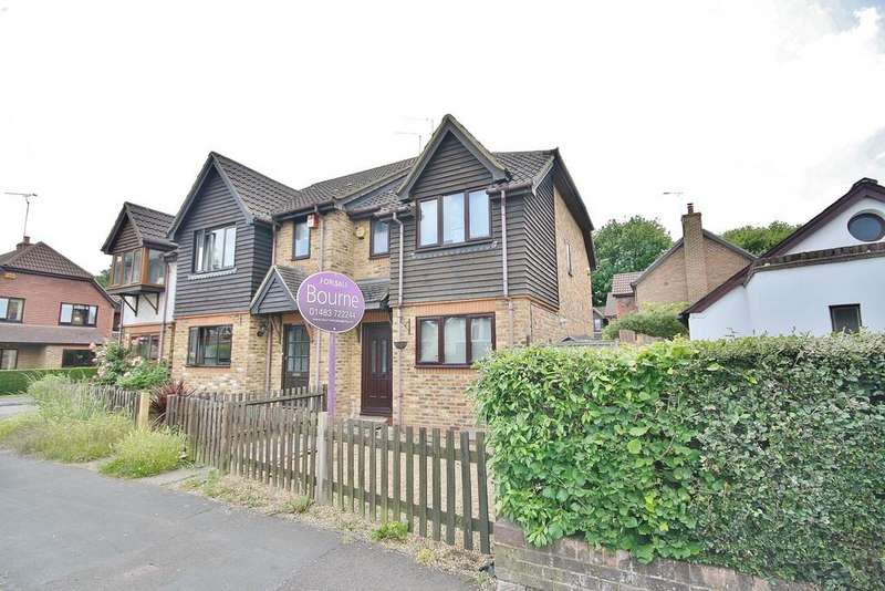 2 Bedrooms End Of Terrace House for sale in Knaphill, Surrey