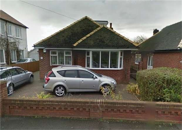2 Bedrooms Detached Bungalow for sale in Leys Road, Blackpool, Lancashire