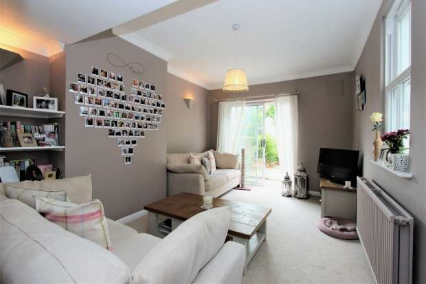 2 Bedrooms Apartment Flat for sale in Grantham Road Brighton
