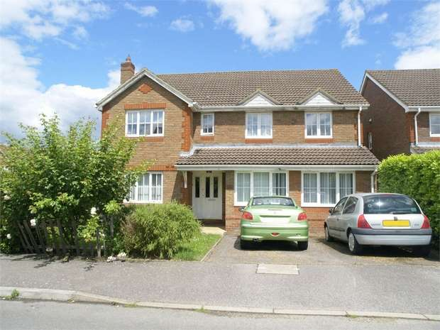 5 Bedrooms Detached House for sale in William Evans Road, Epsom