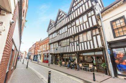 2 Bedrooms Flat for sale in Nash House, 8 New Street, Worcester, Worcestershire