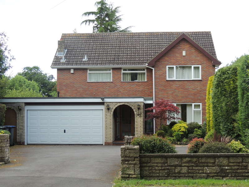 4 Bedrooms Detached House for sale in Earlswood Common, Earlswood, Solihull