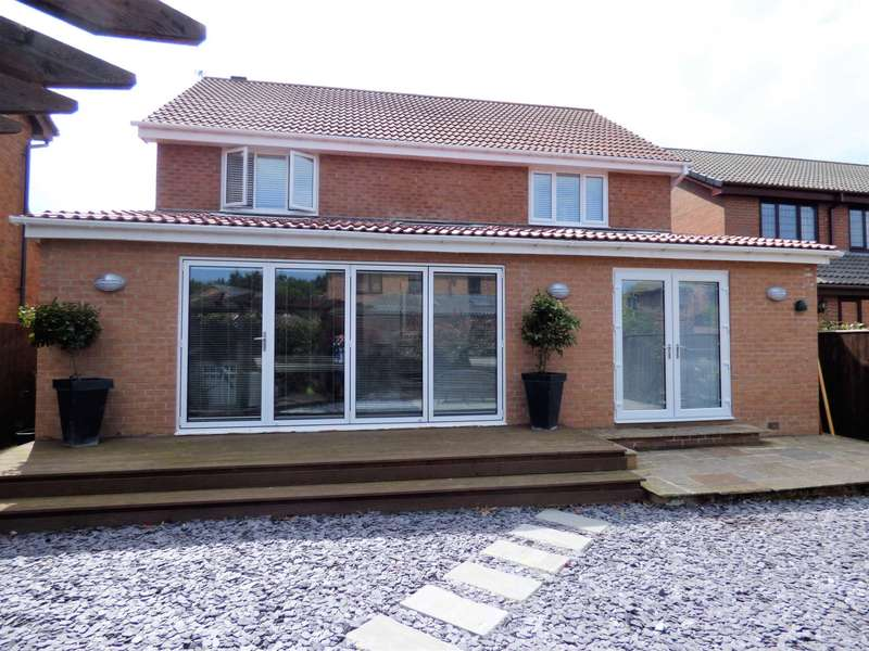 4 Bedrooms Detached House for sale in Hauxley Close, Redcar