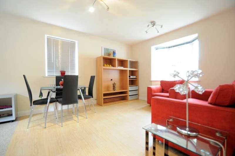 2 Bedrooms Flat for sale in Kelly Avenue, London, SE15 5LH