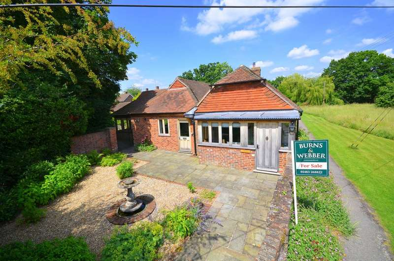 2 Bedrooms Detached Bungalow for sale in Dunsfold