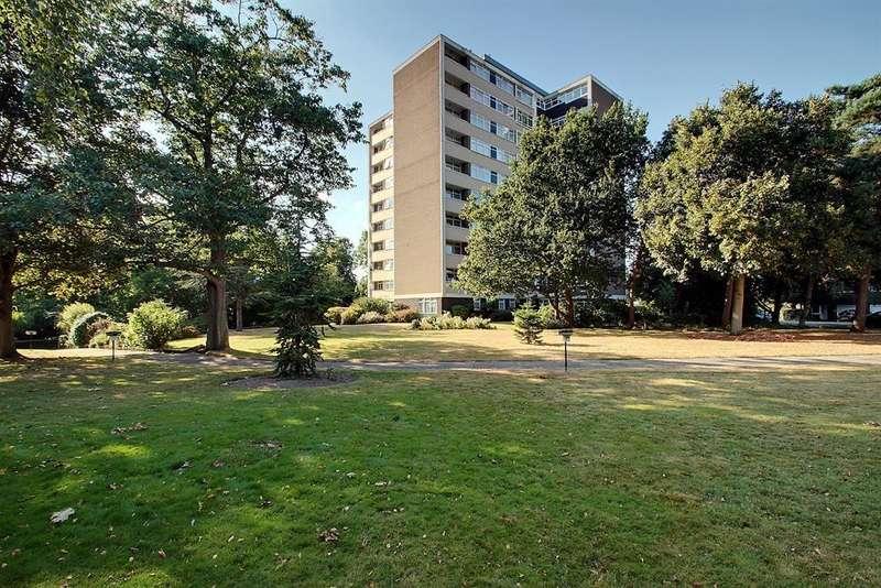 2 Bedrooms Flat for sale in The Cedars, Heronsforde, Ealing, W13 8JF