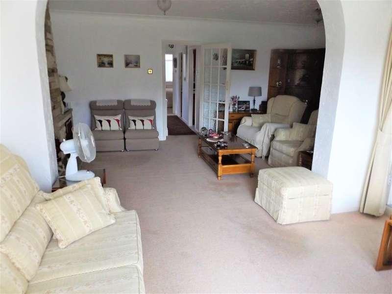 3 Bedrooms Semi Detached Bungalow for sale in Downbank Avenue, Barnehurst, Kent, DA7 6RP